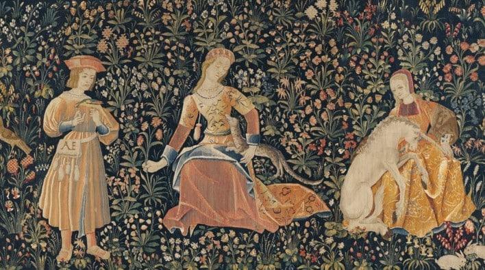 Horae yunan mitolojisinde mevsimler ile kişiselleştirilmiştir.