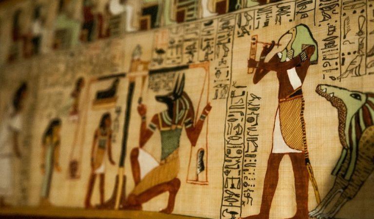 Mısır Mitolojisi ve Tanrıları Hakkında Kapsamlı Rehber